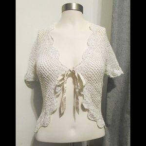 Sz: S/M scalloped crochet top layer
